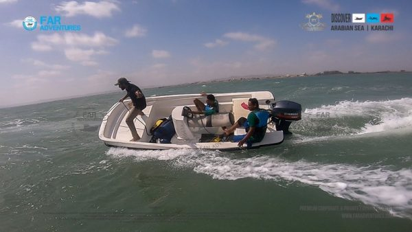 Speed Boat Sling Shot